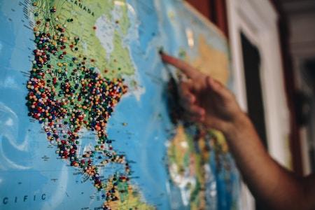 Les Pays Populaires par la Nature Mais Moins Connus par les Voyageurs