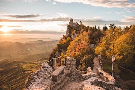 San Marino : Saint-Marin