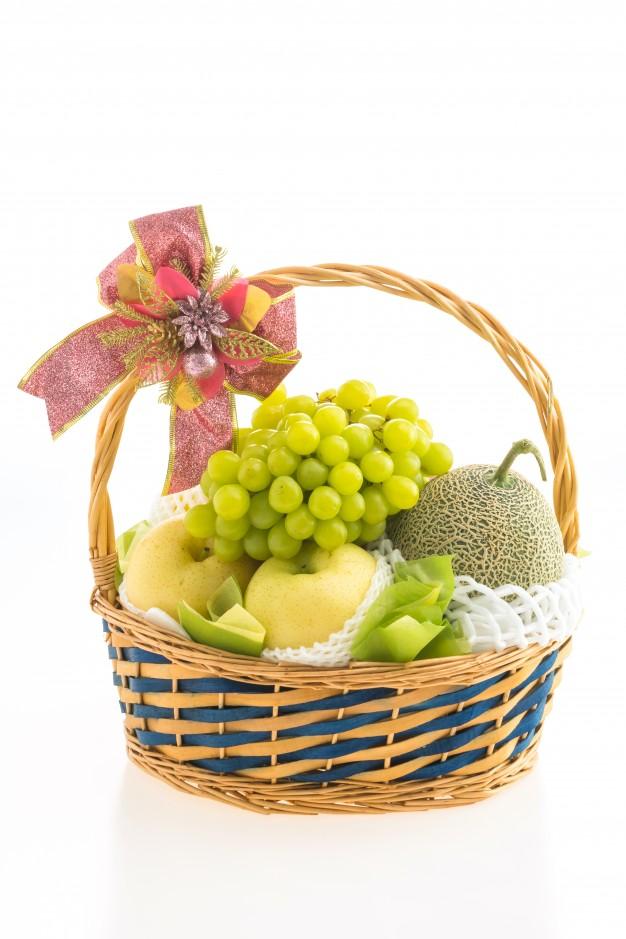 Une corbeille de fruits secs à offrir: une idée cadeau tendance