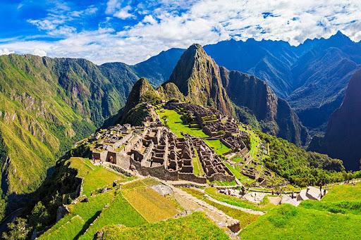 Les tourismes historiques au Pérou: Symbole de pays ancien portant la civilisation ancienne